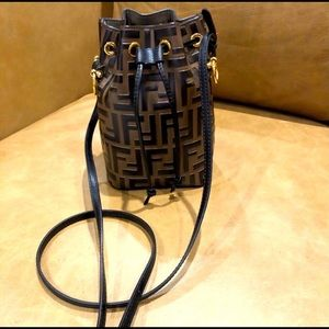 🤎FENDI Mon Tresor bucket bag🤎